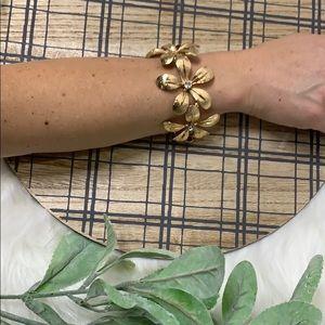 NWT Natasha | gold flower bracelet